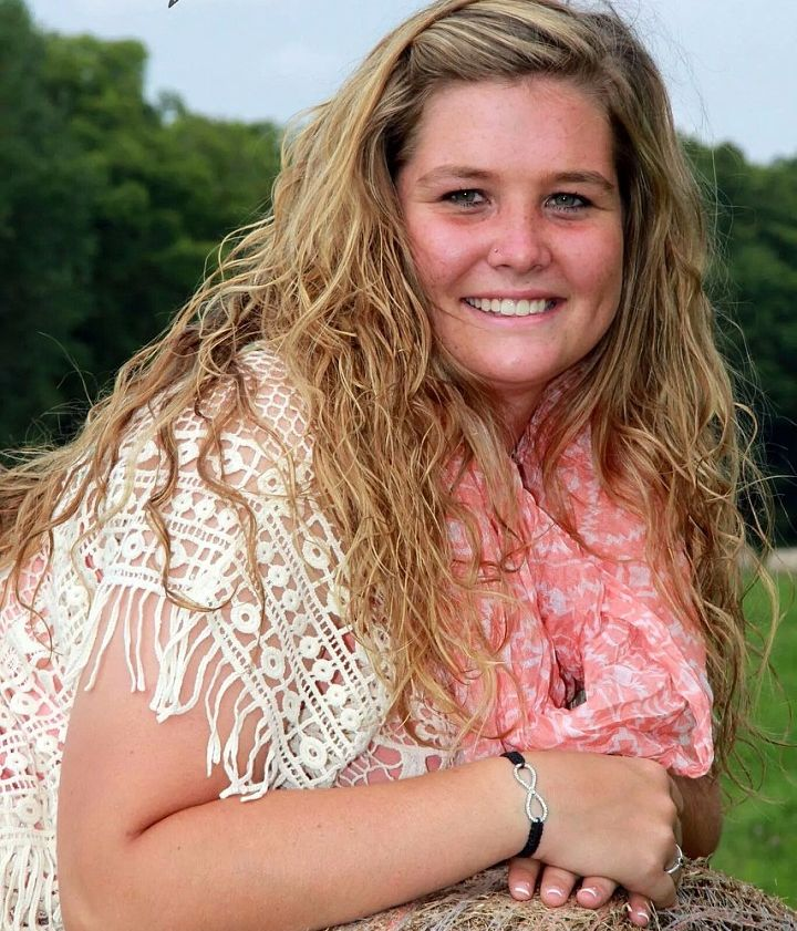 Laci WelchSelect Sires, Laboratory TechnicianMHS Class of 2015